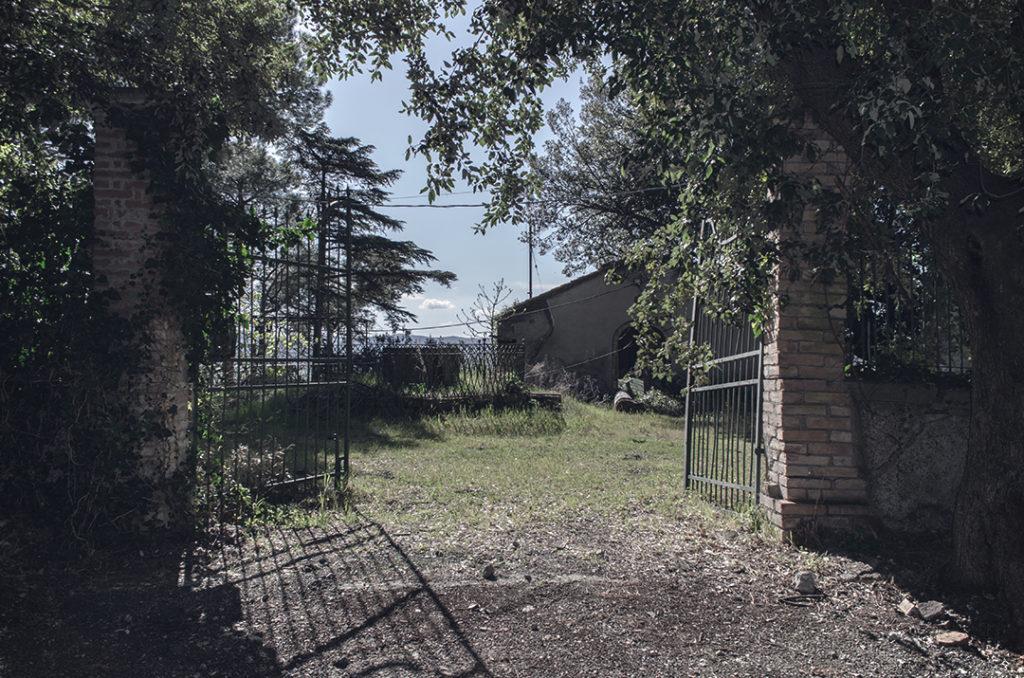 Un villaggio abbandonato in Toscana