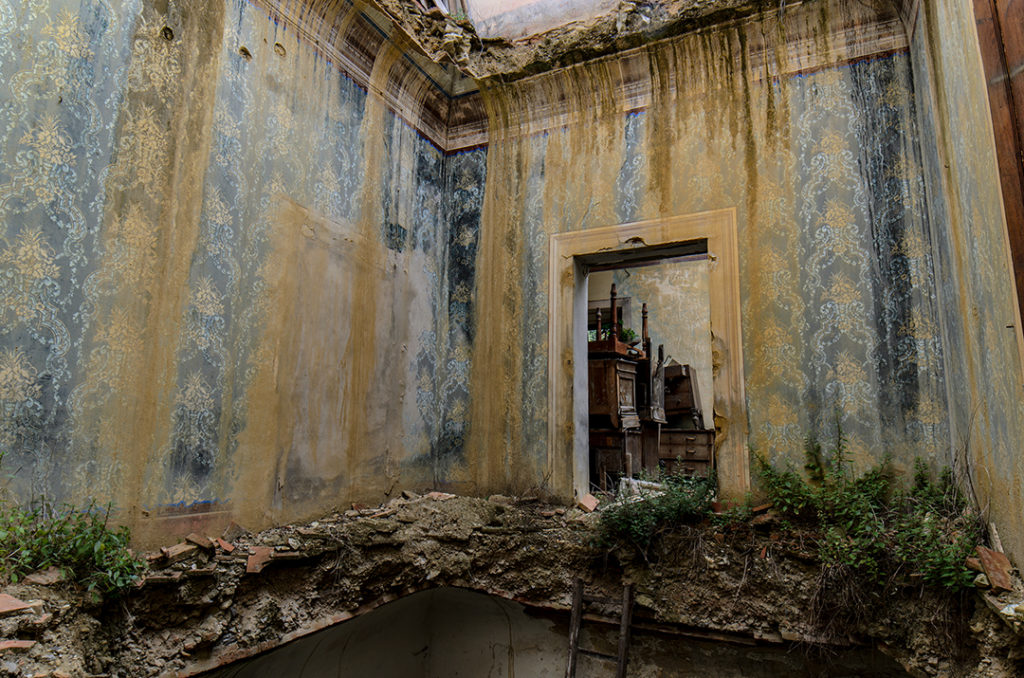 Una misteriosa villa liberty abbandonata