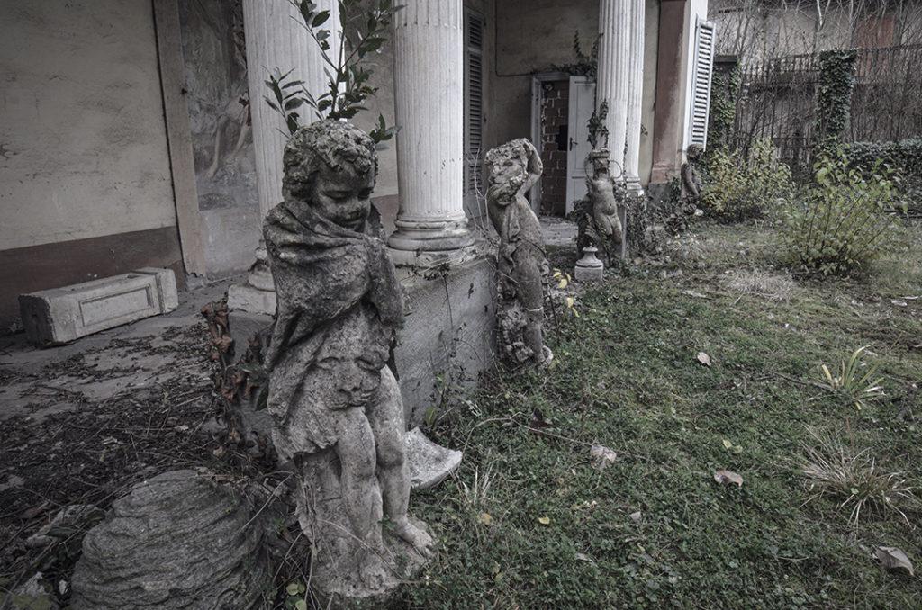 Foto di Palazzi Nobiliari Abbandonati in Italia