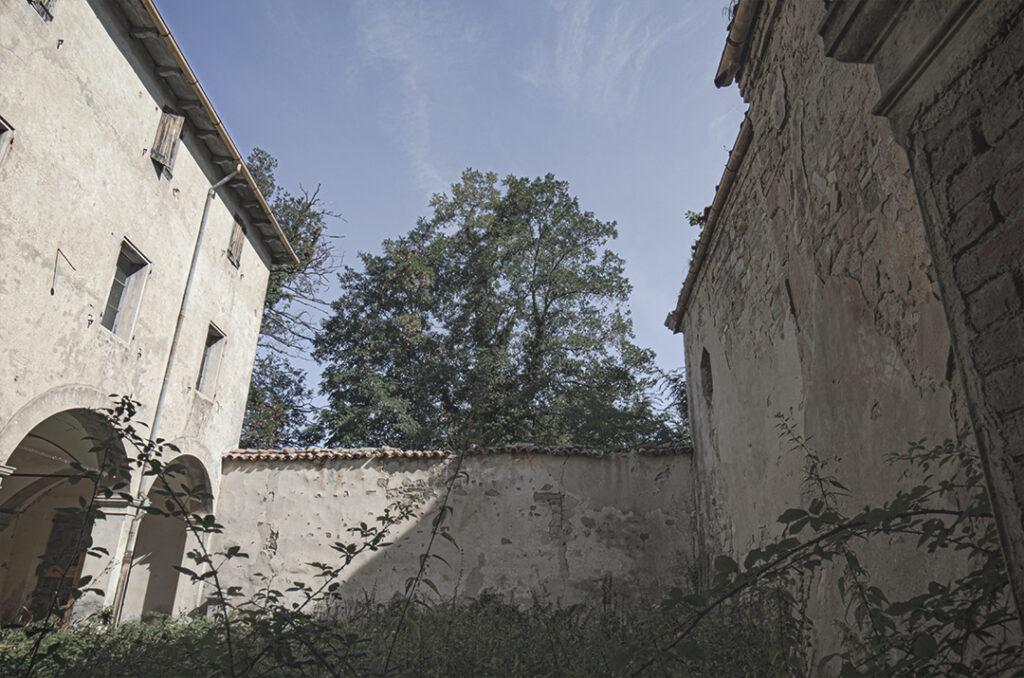 Il Convento Abbandonato dei Viandanti o degli Artisti