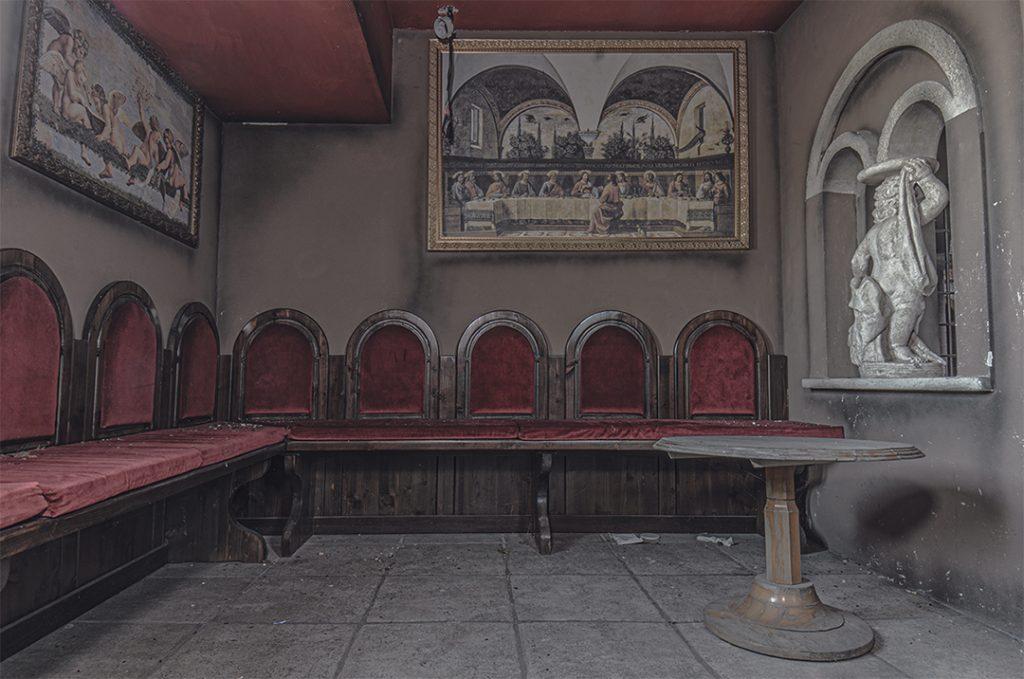 Discoteca Abbandonata che sembra una chiesa